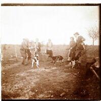 Scène de Vie Rurale Jeux avec chiens, Photo Stereo Vintage Plaque Verre VR5L8