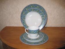 MITTERTEICH *NEW* NATASYA Set 3 assiettes + 1 tasse avec soucoupe Plates + cup