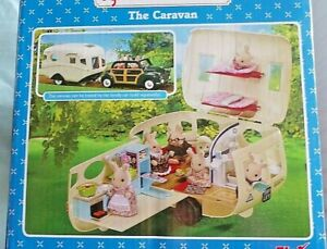 """SYLVANIAN """" THE CARAVAN"""" & 7 RABBIT FAMILY CHARACTERS PLUS ACCESSORIES WITH BOX"""
