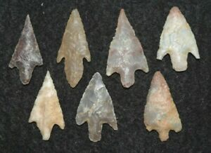7 nice Sahara Neolithic stemmed projectile points