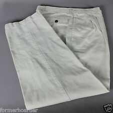 ROUNDTREE & YORKE  34Wx29L 100% Cotton Chino Pants Pleated Front Straight Leg