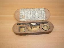 Ancienne balance à peser l'or. Balance trébuchet de changeur, XVIIIè siècle