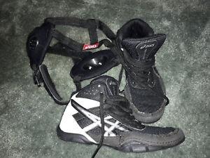 *MAKE OFFER*Kids Asics Wrestling Shoes US Size 1 and Headgear *MAKE OFFER*