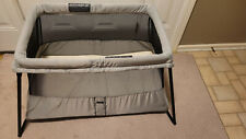 Baby Bjorn Travel Light Crib in Gray with Sheet
