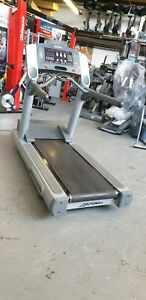 Refurbished Life fitness 95ti  treadmill  Commercial Gym Equipment