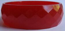 VINTAGE FACETED CHERRY RED BAKELITE BANGLE BRACELET