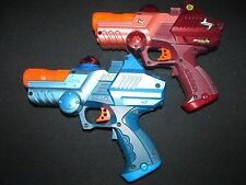 Tiger Electronics Red and Blue Deluxe Lazer Tag Team Ops 2 Player Laser Gun Set