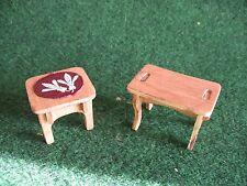LOT DE DEUX TABLES      MEUBLES  EN BOIS       CART 28