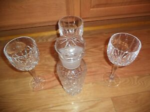 """WATERFORD CRYSTAL POUR SPOUT DECANTER & STOPPER W/3- 8 1/2""""WATERFORD GLASSES"""