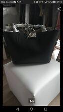 Guess Handtasche 2 in 1 Tasche ist neu und Originalverpackt.Wendetasche.
