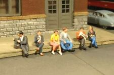 BACHMANN SCENE SCAPES SEATED PLATFORM PASSENGERS HO SCALE