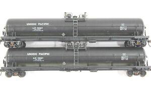 HO 2 Athearn 62ft Union Pacific Tank Cars Cust Trucks Metal Wheel Kadee Cplr