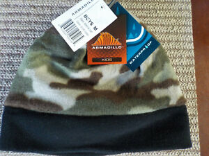 Medium NWT Youth Boys Armadillo Waterproof Fleece Winter Hat Beanie Camouflage