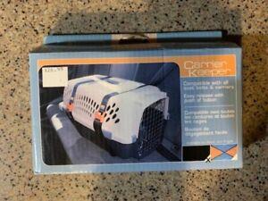 kurgo auto car Carrier Keeper, holder dog cat car seatbelt safety New NIP