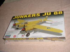 Lindberg 1/72 Junker JU 88 Model Kit # 70509  (NISB)