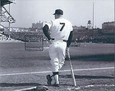 "MICKEY MANTLE - GLOSSY 8""x10"" PHOTO- NEW YORK YANKEE - HALL OF FAMER- #7"