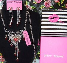 2PC BETSEY JOHNSON LOVE HURTS SILVER HEARTS BLOOD SKULLS RED CRY'S NECKLACE EARR