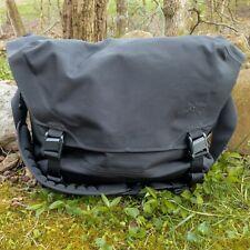 Arc'teryx LEAF courier-15 liter messenger bag-black-with Fidlock buckle upgrade
