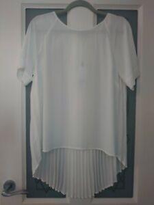 Papaya - Size 14 - White Pleated Back, Dip Hem Top T-shirt Blouse