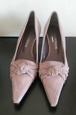 DESIGNER PAUL COSTELLO SUEDE & LEATHER KITTEN HEEL POINTED TOE COURT SHOES.