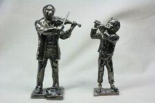 Pareja de músicos. Niño y señor. Couple of musicians. Child and Lord