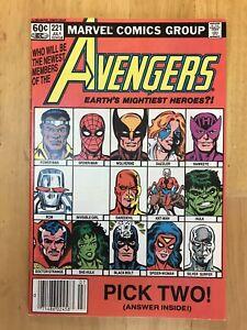 Avengers #221 VF/NM (9.0) Marvel Comics She Hulk Joins Hawkeye Rejoins 1982