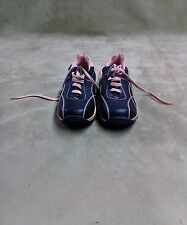 WOMEN'S WALKING SHOE BY CA COLLECTION BY CARRINI SIZE 8.5