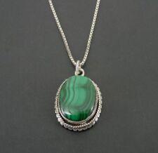Colgante de piedras preciosas de Malaquita Oval Y Plata Cadena Collar en forma de mano