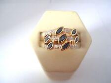 MAGNIFIQUE BAGUE JONC EN OR 18K, SAPHIRS ET DIAMANTS, or 18 carats.