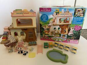 Calico critters/sylvanian families Nursery School Babies & Teacher Accessories