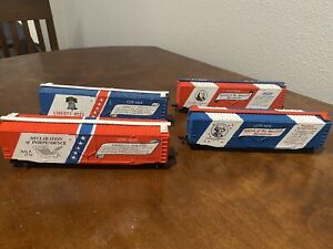 BACHMANN HO BICENTENNIAL BOX CAR (s) set of 4