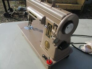 VERY RARE SINGER SEWING MACHINE MODEL 301 WITH NUMBER NA066076 1950ES