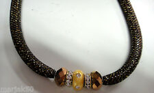 NECKLACE WITH BEADS AND GOLD GLITTER IN THE BLACK MESH