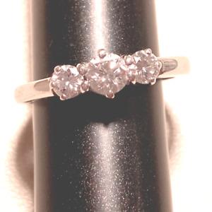 18ct WHITE GOLD GRADUATED THREE STONE DIAMOND RING TDW APPROX: 0.50ct SIZE J-K