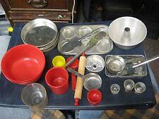 Vintage 25 Piece Lot Aluminum & Plastic Pretend Play Kitchen Cookware Cooking