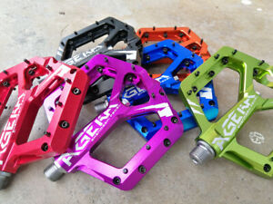 """New Non-Slip MTB Bike Flat Pedals Ultra Strong alloy 9/16"""" 4 Bearings pedal"""