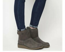 Ladies Grey Slim Kris Mini  Uggs Boots. Size 5. New In Box.
