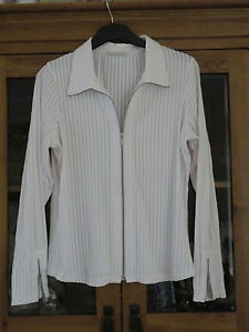 Marks & Spencer White ribbed Jacket/top  size 36 bust, Immaculate