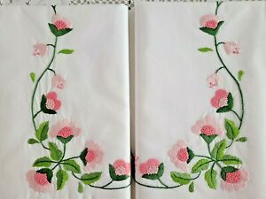 Sheet of pure cotton percale with hand-embroidered flowers