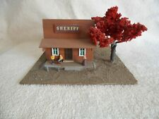 HO SCALE SHERIFF OFFICE WITH FIGURES HANDCRAFTED SCRATCH BUILT BUILDING