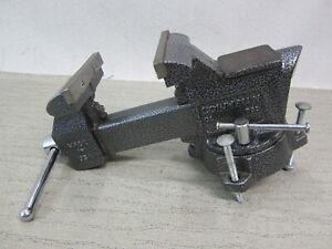 "Columbian D5 D55 5-1/2"" Jaw Swivel Bench Vise - U S A Made"