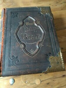 Holy Bible 1878. Commentary by Revd Matthew Henry. Leather bound. Metal clasps