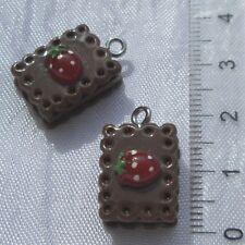 2 breloques biscuit cake gateau chocolat fraise pendentif 3D avec anneau *B475A