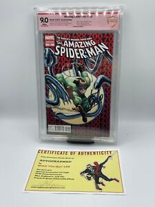 Marvel Comics: Amazing Spider-man 700 (2nd print) cbcs grade 9.0 SIGNED Stan Lee