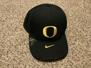 Nike Oregon Ducks Aero Classic99 Flex Hat Unisex 2020 Dri-Fit One Size Black