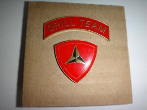 Ensemble De 2 Revers Broches: Drill Team + Usmc 3rd Marine Division De