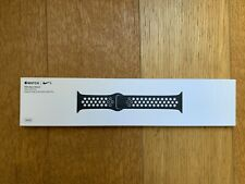 Black/White Nike Sport Band for Apple Watch (38/40 mm) -MRHJ2ZM/A