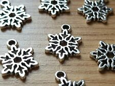 20 Antique Silver CHRISTMAS SNOWFLAKE CHARM/PENDANT 15MM Jewellery making-Craft