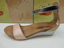 Naot Womens Pixie Pearl Rose Champagne Silver Size Eu 38