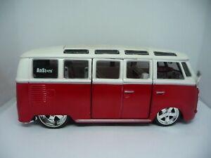 """Maisto - Volkswagen Van Samba Tuning """"Allstars"""" - Maßstab 1:25"""